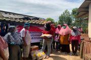 Bantu Korban Longsor di Bogor, Seniman dan Mahasiswa Papua Tebar Sembako