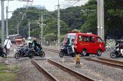 Perlintasan Liar di Atas Rel Kereta Masih Menjamur di Jabodetabek