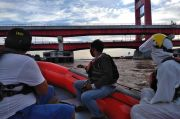 Terpeleset di Dermaga 9-10 Ulu, 2 Remaja Tenggelam di Sungai Musi
