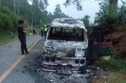 Minibus Terbakar di Simarjarunjung, 8 Penumpang Selamat
