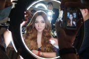 Sidang Tuntutan Lucinta Luna Kembali Batal, Pacar Kecewa