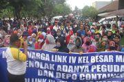 Ratusan Warga Martubung Medan Demontrasi dan Blokade Jalan