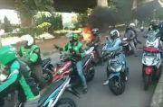 Korsleting Listrik, Sepeda Motor Terbakar di Jalan D I Panjaitan