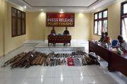 Buru Kelompok Bersenjata di Yahukimo, Satgas TNI Polri Sita Puluhan Panah-Sajam
