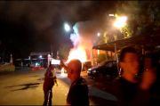 Penyerang Polsek Ciracas Sekitar 100 Orang, Bakar Dua Mobil Polisi