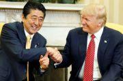 Anggap Teman Baik, Trump Beri Penghormatan Tertinggi kepada Abe