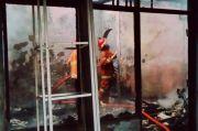 Diduga Korsleting, Rumah Warga Ungaran Hangus Terbakar