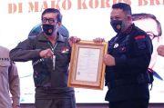Menkumham Beri Sertifikat 91 HKI dan Karya Korps Brimob