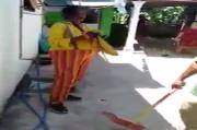 Astaga! Badut di Probolinggo Ditangkap Warga Saat Curi BH dan CD