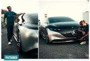 Lewis Hamilton Pamer Mobil Listrik Mercedes EQS Harga Rp1,5 Miliar