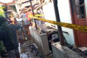 Diduga Konsleting Listrik Rumah Warga Ngampilan Terbakar