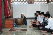 Gus Jazil Napak Tilas ke Makam 2 Tokoh Penyebar Islam di Jawa Barat