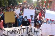 Tuding Penyaluran BLT Tak Adil dan Disunat Kades, Warga Geruduk Kantor Desa