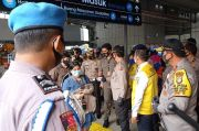 Wakapolri Tinjau Protokol Kesehatan di Stasiun Tanah Abang