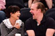 Lily Allen dan David Harbour Gelar Pernikahan Sederhana di Las Vegas