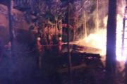 Dua Rumah Warga Salatiga Ludes Terbakar, Kerugian Ditaksir Rp100 juta