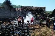 Kebakaran Hebat Lumat Uang, Kambing, dan Rumah Warga di Rembang
