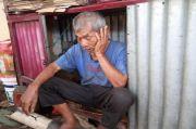 Miris! Kakek Sebatang Kara di Sidimpuan 8 Tahun Tinggal di Gerobak