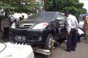 Petugas Gabungan Tertibkan PKL dan Razia Parkir Liar di Jatinegara