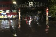 Diguyur Hujan 2 Jam Lebih, Banjir Mulai Muncul di Jakbar