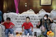 Dua Bocah Disabilitas Hafidz Quran Bikin Risma Baper