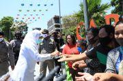 Gubernur Khofifah Minta Warga Disiplin Pakai Masker