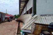 Atap Pasar Rakyat Koba Roboh Diterjang Angin Kencang