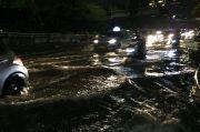 Kali Grogol Meluap, Jalan S Parman Mulai Terendam Selutut