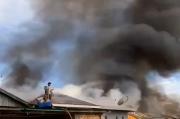 Kebakaran di Pemukiman Padat, Tujuh KK Kehilangan Tempat Tinggal