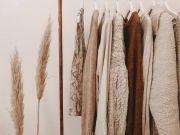 Kulit Kamu Sensitif? Hindari Pakai 5 Bahan Pakaian Ini