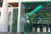 Habis Subuh, Pria Tak Dikenal Rusak Sebuah Bangunan di Dago