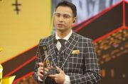 Beri Pengaruh Besar, Raffi Ahmad Peroleh Penghargaan Publik Figur Inspiratif
