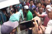 Pelaku Pungli Tewas Ditembak Polisi, Warga Ricuh dengan Polisi