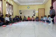 Sambangi Mahasiswa Papua di Padang, Dirjen Otda Kemendagri dan Stafsus Presiden Perkenalkan Para-Para Papua