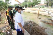 Gandeng TNI AL, Pemkot Jakut Gerebek Lumpur Sungai Kelapa Gading