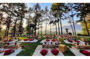Sensasi Sarapan Pagi di Atas Bukit Candi Borobudur