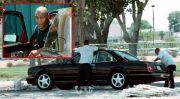 Edan! Mike Tyson Suap Polisi dengan Bentley Baru gara-gara Kondom