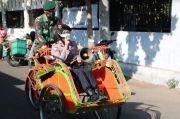 Polwan Cantik dan Anggota TNI Ini Naik Becak Keliling Pasar, Ada Apa?