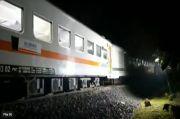 KA Serayu Anjlok di Jalur Petak Dekat Stasiun Manonjaya, Hingga Kini Belum Dapat Dievakuasi ke Jalur Rel