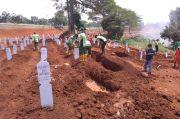 PSBB Ketat, Pemakaman Jenazah COVID-19 di Pondok Ranggon Menurun