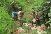 TMMD 109 Kaimana, Medan Berat Tidak Menyurutkan Semangat TNI Membangun Desa
