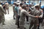Demo Mahasiswa di Depan Kantor ESDM Sultra Ricuh