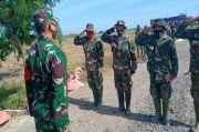 Surprise! Sibuk Angkut Batu, Tiga Prajurit TNI Naik Pangkat
