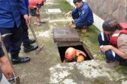 Bersihkan Sampah, Pjs Wali Kota Depok Kerahkan Satgas Gorong-gorong