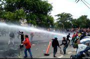 Tembus Barikade Polisi, Ribuan Pengunjuk Rasa dari Tangerang Merangsek ke Jakarta