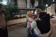 Teriak Histeris, Ibu Ini Minta Bertemu Anaknya di Mapolres Jakarta Utara