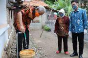 Senyum Nurbuwati Setelah 50 Tahun Hanya Bisa Pakai Air Keruh