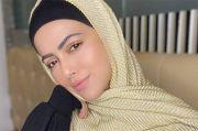 Aktris Bollywood Sana Khan Nyatakan Mundur dari Industri Hiburan