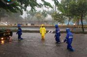 Jakarta Diguyur Hujan Deras, 7 RT dan 19 Ruas Jalan Tergenang Banjir