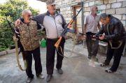 Perang Armenia-Azerbaijan Meningkat, Relawan Nagorno-Karabakh Dibekali Senjata